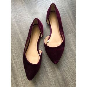 Maroon suede flats size 6 ✨